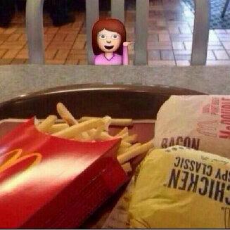 Cenando con mi novia en un restaurante F I N Í S I M O… <3 http://t.co/ZWOFgD7e7s