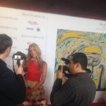 RT @Mouchegallery: Working the red @ParisHilton for  @mendingkids amazing who is here raising awareness for kids!!