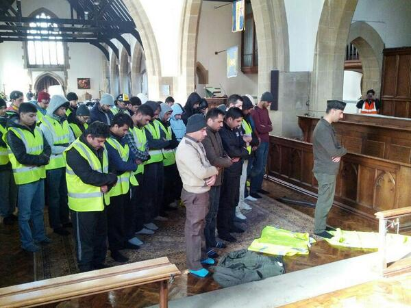 Floods have devastated communities but they've also brought them together. Volunteers pray in local church http://t.co/SyJ2QhVzgJ v @MKA_UK