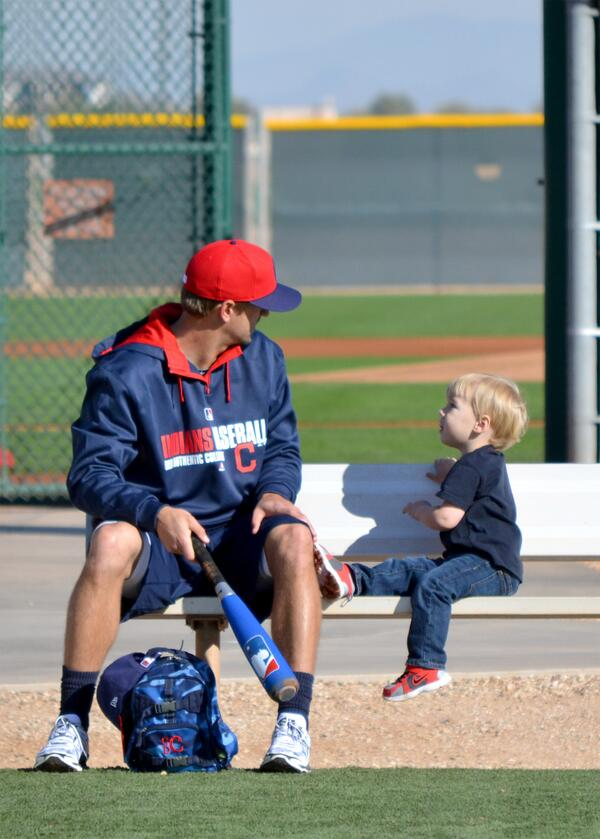 A nice Spring Training moment between Indians 3B Lonnie Chisenhall and his son, Cutter. http://t.co/gm7tLKkRDb