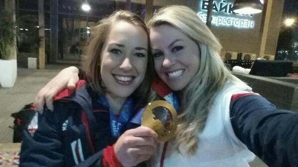 The golden girl with her sweet new bling! Proud of you @TheYarnold now go get some sleep http://t.co/gl5MSwiVme