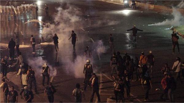 9:31pm Chacao al momento (Via:@Reporteya) #360ucv http://t.co/r8xfuzpGYO