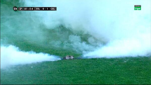 BgjK8DBCEAAuHWa Villarreal v Celta Vigo halted on 88 minutes after tear gas canister thrown on to pitch