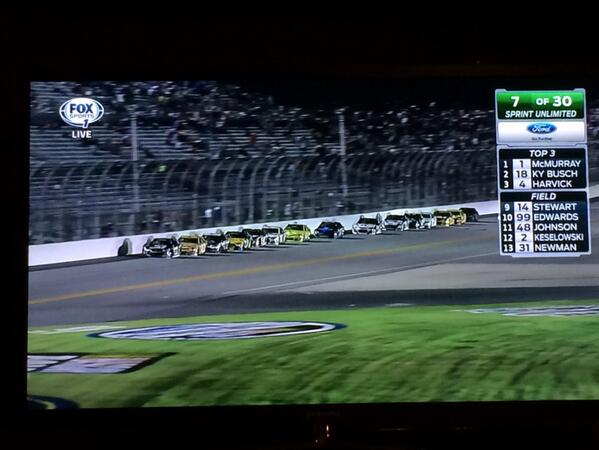 Can we put the running order back to the top of the screen @NASCARONFOX ??? http://t.co/Q9qX1hNqbP
