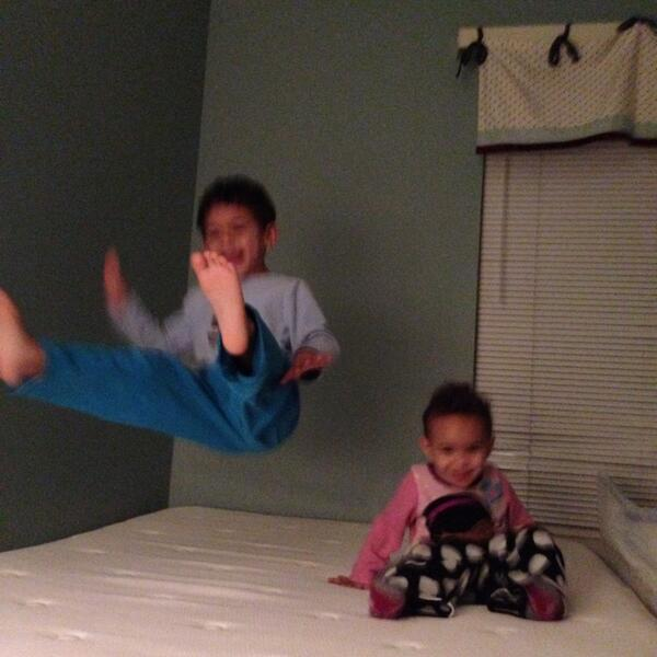 More #DangerousBlackKids jumping on the bed @Karnythia. http://t.co/g2Tz5FwHgb