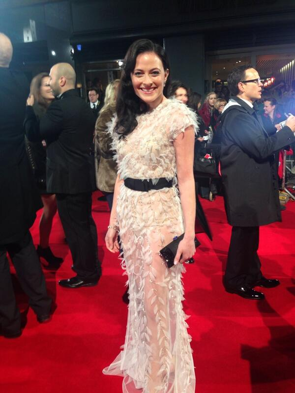 The gorgeous @larapulver from @BBCAMERICA's #Fleming on the red carpet #EEBAFTAs http://t.co/PpUYskzSUh