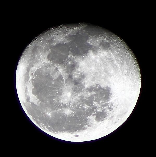 RT @adleon7: La Luna desde Querétaro, México http://t.co/0tRSrfPsk0