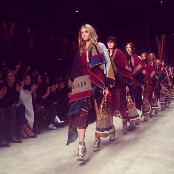 Ponchos in the @Burberry finale have an element of Paul Klee in them- inspired by @Tate exhibition possibly? #LFW http://t.co/9r8x3R7HgW