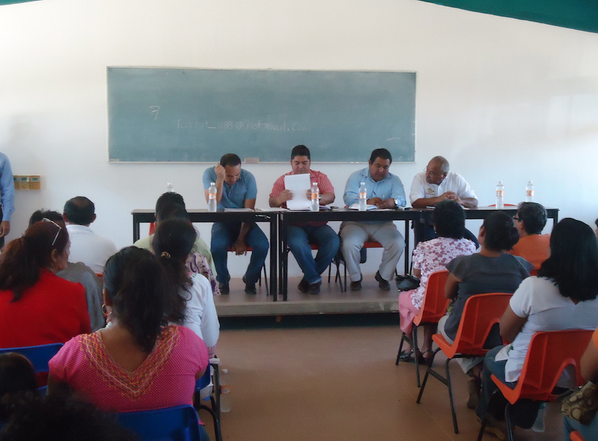 ICAPET Oaxaca (@ICAPETOaxaca): Reforzará ICAPET, la #Capacitación en el Istmo de Tehuantepec, nuestro personal visita la zona @gc_ivonne @GobOax http://t.co/SMO800ZbfH