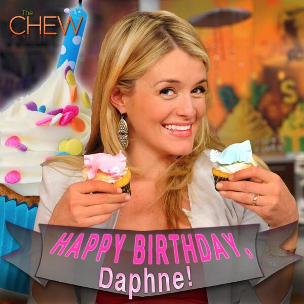Retweet to wish our sweet @DaphneOz a very Happy Birthday! http://t.co/Oh1A6nmgTt