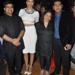 ...With luverly @deepikapadukone, @Itemboi and @anewradha who looks hawwt in red lipstick:)