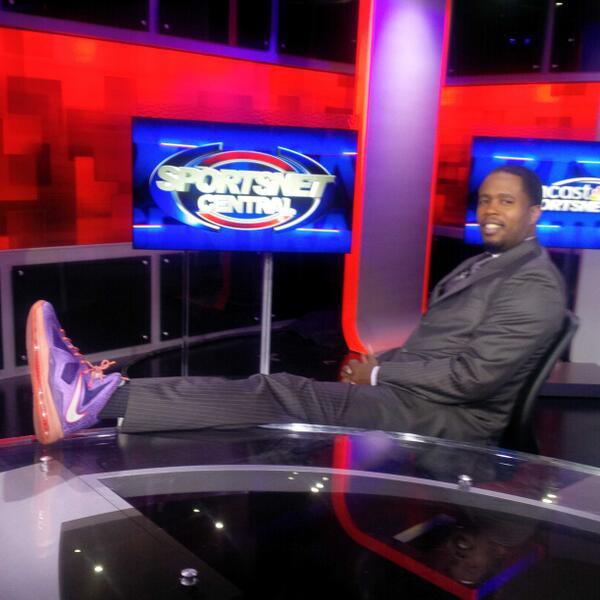 @CSNHouston on my NBA analyst swag ish!! @KingJames 10's All star joints #striveforgreatness #RWTW #itsalifestyle http://t.co/t0FvehFWLK