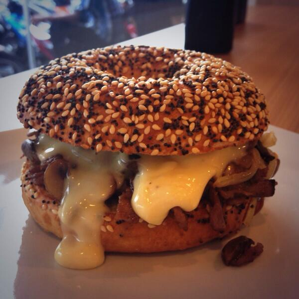 our philly cheese steak bagelwich! #drool http://t.co/Ewr2uNCcNS