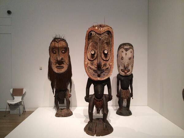 明日から開幕するイメージの力展@国立新美術館。国立民族学博物館のコレクションを公開しています。死者を弔うための大きな柱や、極端にデフォルメされた神像など、テンションが上がりますヽ(≧▽≦)ノ 明日から6月9日まで。 http://t.co/5gfqOg1Ig1