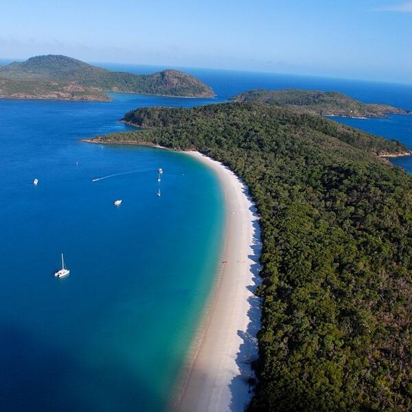 It's easy to see why Whitehaven Beach is classed as one of the top 5 beaches in the world...@lauraahunt88 (via IG) http://t.co/zGHvIBcK6i
