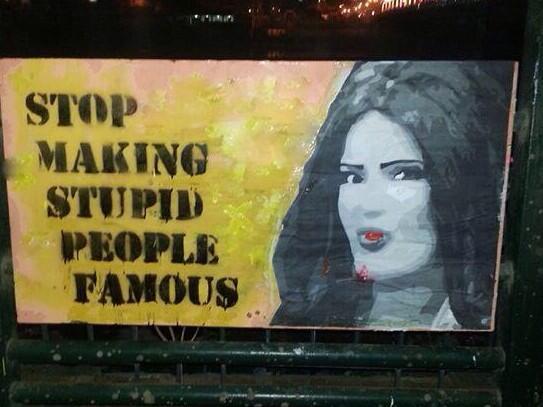 #سما_المصري في حوار تلفزيوني: سعيدة بالجرافيتي الثوري اللي اترسملي، مع اني مابعرفش انجليزي http://t.co/6h1krm70Qq