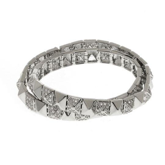 We want to brighten up your gloomy snow day- be our 7,000TH FOLLOWER and WIN this wrap around pyramid bracelet! http://t.co/Yu1j1K2tB5