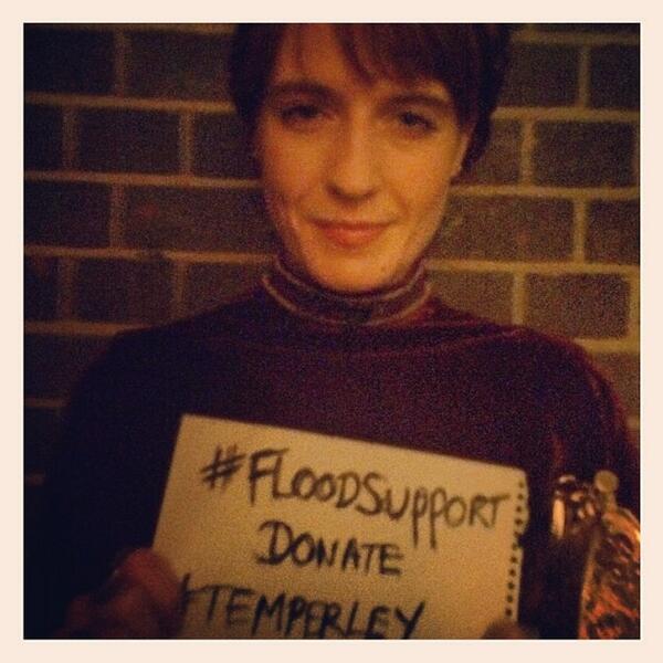 @flo_tweet showing her #FLOODSUPPORT #Temperley via AliceTemperley's Instagram http://t.co/P8PkIY68iC http://t.co/i8idCil1co