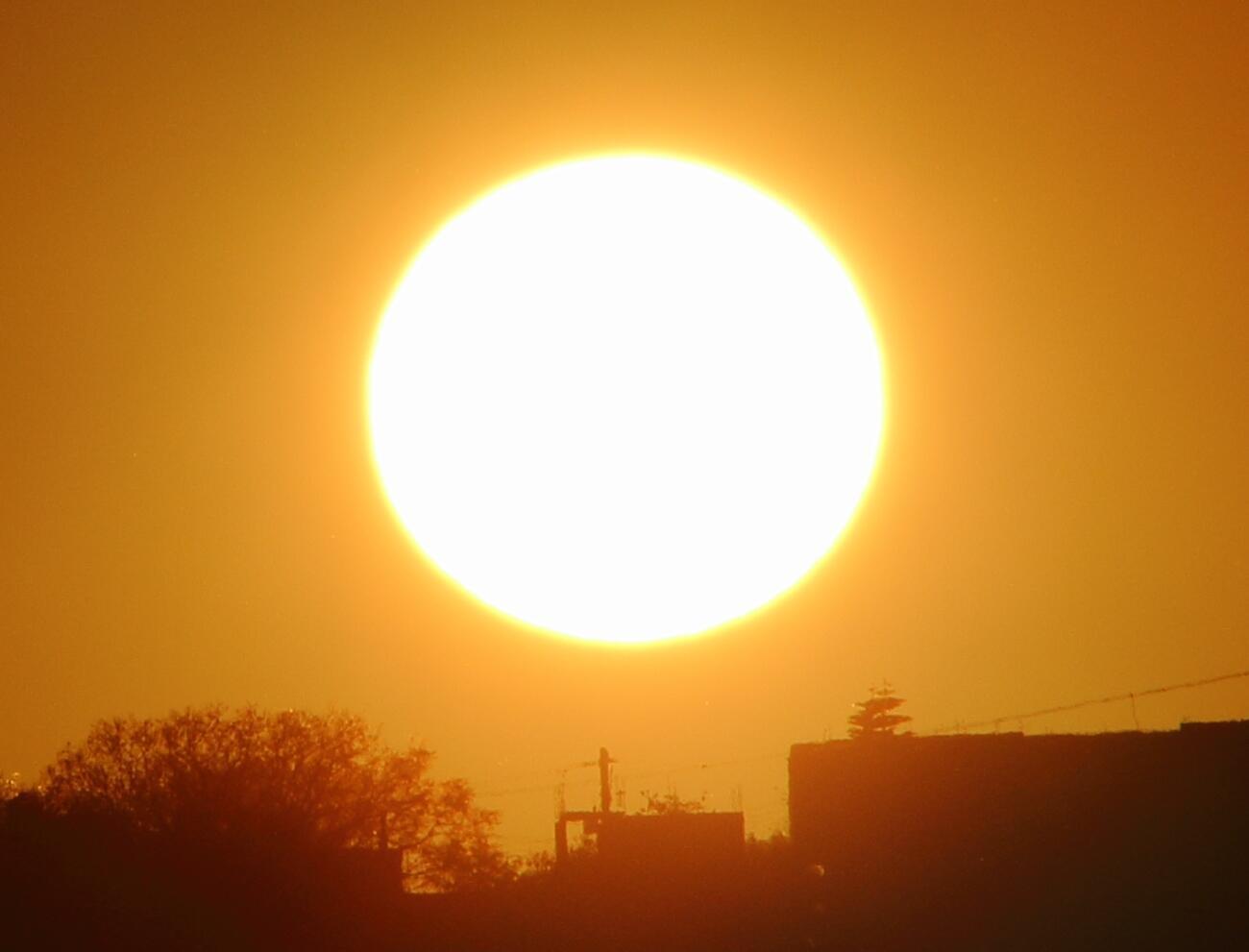 RT @adleon7: La salida del Sol hoy desde Querétaro, México http://t.co/OK9ZpbTUxn