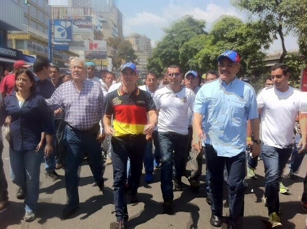.@hcapriles va pa' Chacaito http://t.co/watnasTY9B