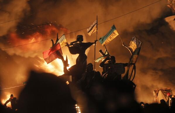 Bloody Battles in Kiev - 31 photos from Ukraine today - http://t.co/9ViUZ4g0cI http://t.co/eXKL152olE