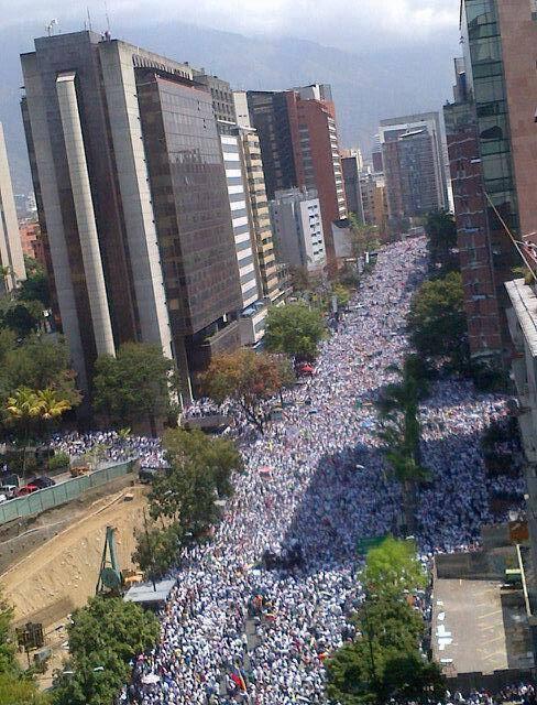 Caracas hoje. Maravilha. #SOSVenezuela http://t.co/1Ni5uvkOH9