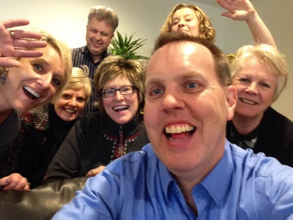 If only Jeff's arm was longer. Best photo ever @TheEllenShow Saved a spot for you Ellen :D http://t.co/HMBP0ylzJd