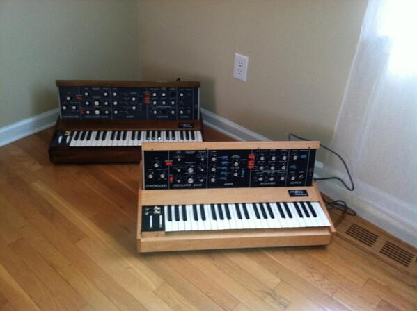 When the Guest Room becomes the Gear Room...  Happy Minimoog Monday! Love, your friends at #Moog: http://t.co/yCkeYliQdG