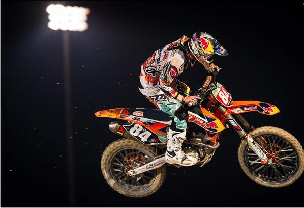 RT @dcshoes: Congrats to @JHerlings84 who won the 1st Round of the MXGP's in Qatar over the weekend! http://t.co/2n2n276idJ
