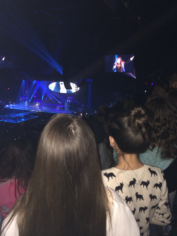 Had SO much FUN w Cara&Mady last pm at the @ddlovato Neon Lights concert! Great show&stockpiled memories w my teens! http://t.co/dwOAplUCfy