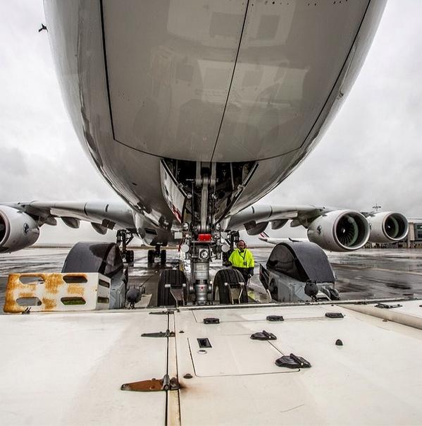Preparing our #A380 #crewpics http://t.co/PLY7gh7n68