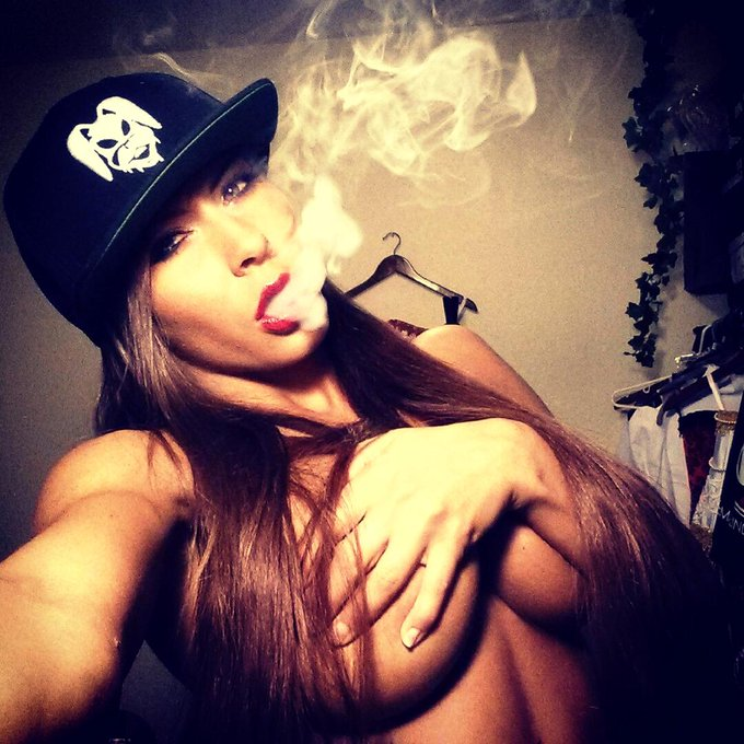 Blazin off be4 I jet off 2 #Nyc & #Boston... @GummyOfficial on my lid #LOVE bein a #GummyBunny http://t