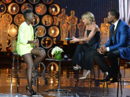 @Lupita_Nyongo wears a GiambattistaValli RST14 jacket, top and shorts on @KellyandMichael Styled by @micaelaerlanger http://t.co/KtYTr7my8x