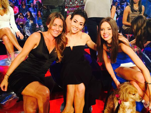 Only minutes away from #TheBachelor #WomenTellAll retweet if you'll be watching for @reneeoteri @sharleenjoynt & more http://t.co/O4L0Ar1rmh
