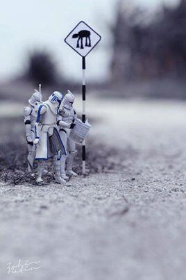 Waiting for the AT-AT bus! #starwars http://t.co/Wo65fwW0vP