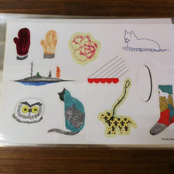 名古屋です。明日から始まる 長崎訓子のコラージュブック「COLLAGES」原画展。今回の展示を記念してシールを作りました。525円(税込)です。名古屋ON READING にて。http://t.co/qkCDd5lsX5 http://t.co/6sxzOMfM3y