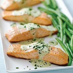 Una buena opción para consumir proteínas y grasas buenas es el salmón: ¡no olvides incluirlo en tu dieta! http://t.co/W6jdBovA0M
