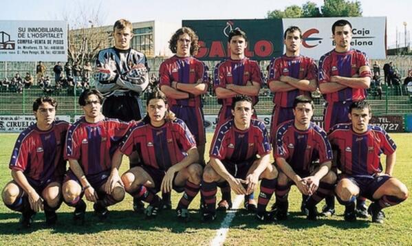 Des de l'inici fins el final: @Carles5puyol es un dels + malalts pel futbol i pel Barça que he conegut #GràciesPuyol http://t.co/a3yr69iUuL