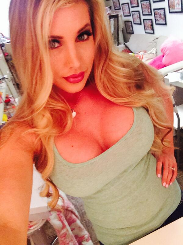 """@MissSaintXXX: done shooting for http://t.co/qv4jMUD0Ow time to eat"