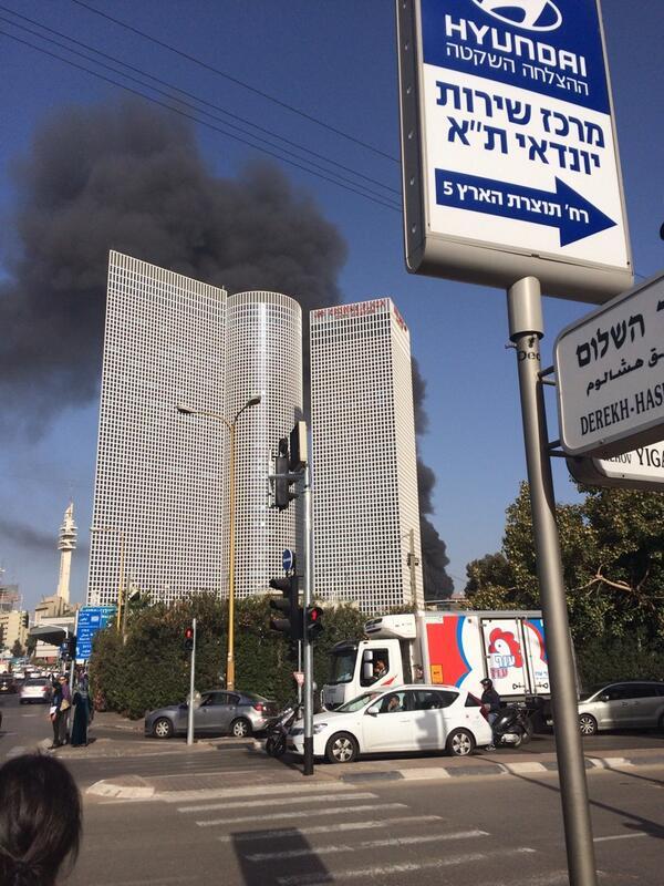 שריפת ענק מאחורי עזריאלי. בוקר טוב! http://t.co/2Bsa8xwjJK