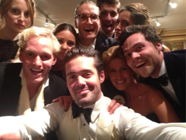 First there was the #OscarsSelfie, then there was the #ChelseaSelfie... #MIC http://t.co/sDalTL4v1J