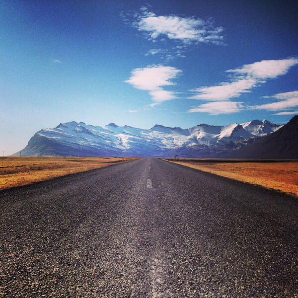 One week and I'm coming back to see the whole of you #Iceland #10DaysOnTheRoad http://t.co/HNyEBsS9zS