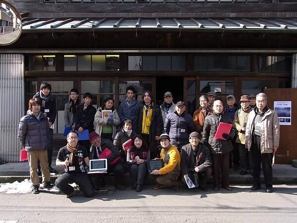 Group photo of Fujisawa, Japan LocalWiki & OSM meetup for #opendataday! #odd14 #localwiki http://t.co/eszIQg6Gv3