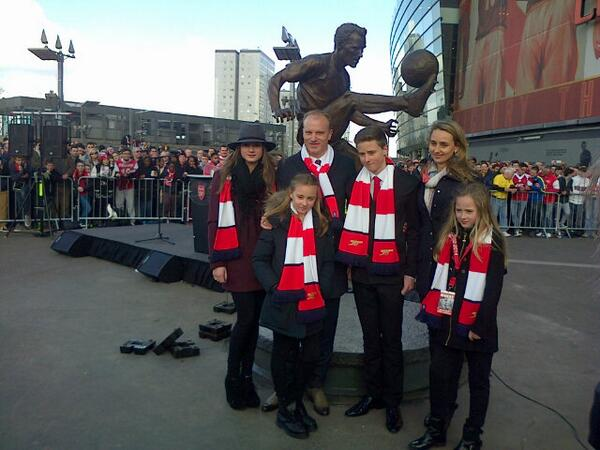 Family Bergkamp... #PASoccer http://t.co/Lo06lbLD80