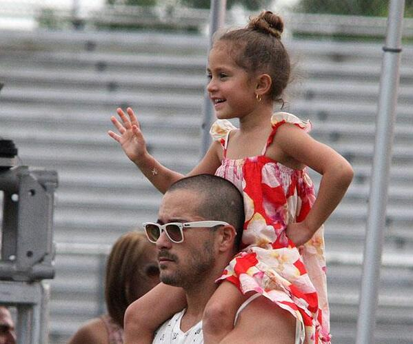 Happy Birthday Princess Emme! xo @JLo http://t.co/FaA17DB74i