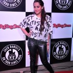 RT @MovieTalkies: @ShwetaPandit7 snapped at @RollingStoneIN awards 2014.More pics:http://t.co/pYwOFyZoV2 #JDRockAwards #Bollywood http://t.…