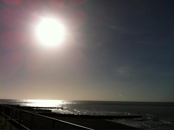 After the storm. On the south coast of Britain today: http://t.co/gEBzWOnayz