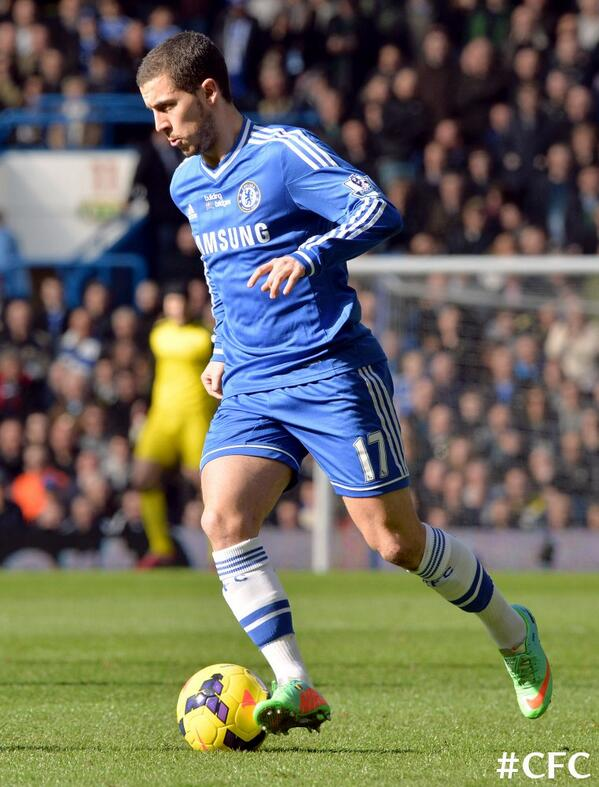 HALF-TIME: CHELSEA 0-0 EVERTON. No breakthrough as yet, but an absorbing contest. #CFCLive http://t.co/pWbPkMXmCi