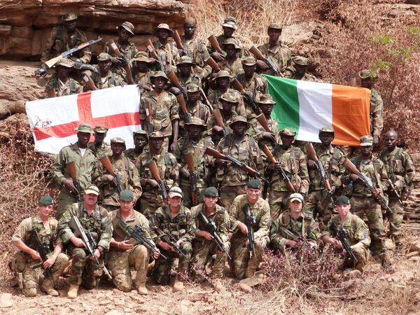 Irish #Army & @BritishArmy are watching live together #Mali #Africa  #COYBIG #ENGvIRL @irfurugby @EnglandRugby http://t.co/HEGa1Ikog4