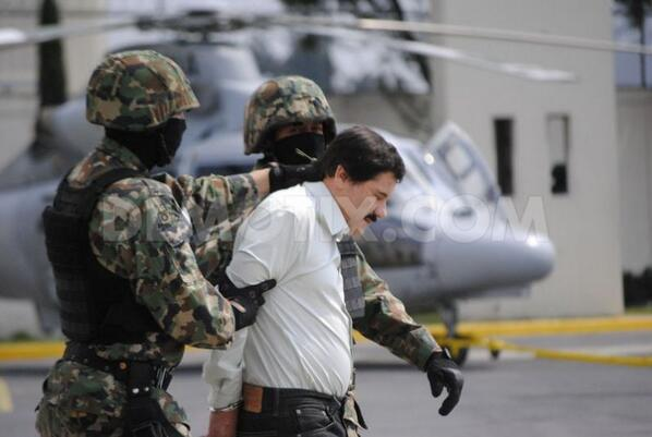 """Mexican Government confirms capture of drug lord """" El Chapo"""" Guzman http://t.co/hzK0DFchUK http://t.co/rJWawXUAmg"""